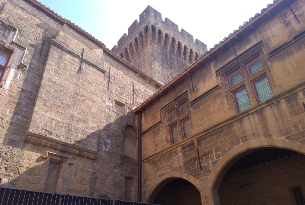 chateau de l'Emperi